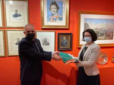 Η Πρέσβης της Ιρλανδίας κα. Iseult Fitzgerald, επισκέφθηκε το Μουσείο Φιλελληνισμού