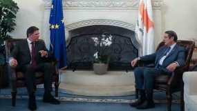 Συνάντηση Βαρβιτσιώτη – Αναστασιάδη: «H Ελλάδα στο πλευρό της Κύπρου»