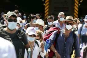 Τέλος η υποχρεωτική μάσκα σε εξωτερικούς χώρους στην Πορτογαλία