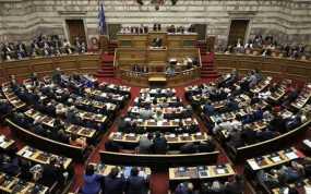 Βουλή: Ξεκίνησε η συζήτηση του νομοσχεδίου για την απλοποίηση της έκδοσης αδειών λειτουργίας επιχειρήσεων